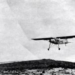 La avioneta Cigüeña se dispone a aterrizar