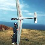 Vicente con el Blanik aeromodelo  que el mismo diseño y monto 406cm